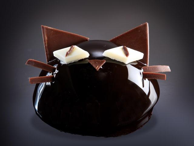 黒猫のケーキ「ブラック・キャット」 by シェラトン都ホテル大阪