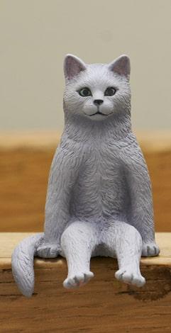 グレー猫 by フィギュア「座る猫」