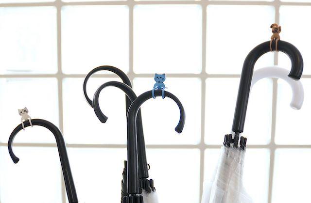 傘の目印にもなる猫型ゴムバンド「Qutto(きゅっと)」