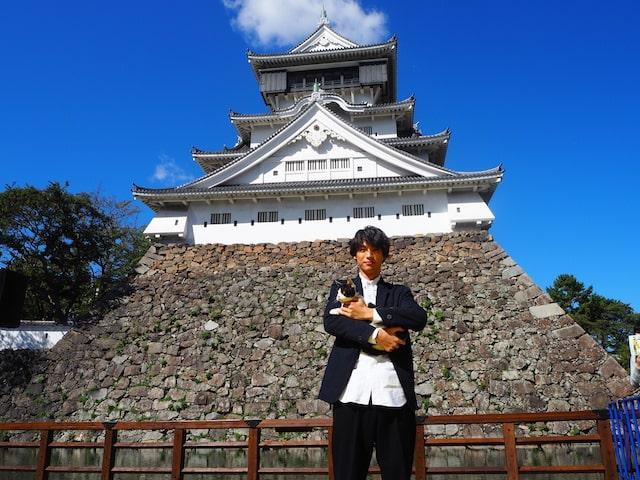 福士蒼汰&猫のナナによるフォトセッションの様子 in 小倉城
