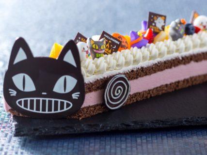 黒猫のバス型ケーキも登場!ハロウィンをテーマにしたスイーツ&ランチバイキング