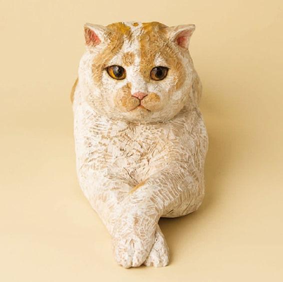 はしもとみお氏が制作した人気猫ホイップの木彫り作品
