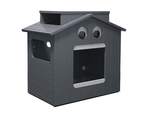 ロボットのような猫ハウス「マイクとチアリの家」の左斜め前から見たイメージ