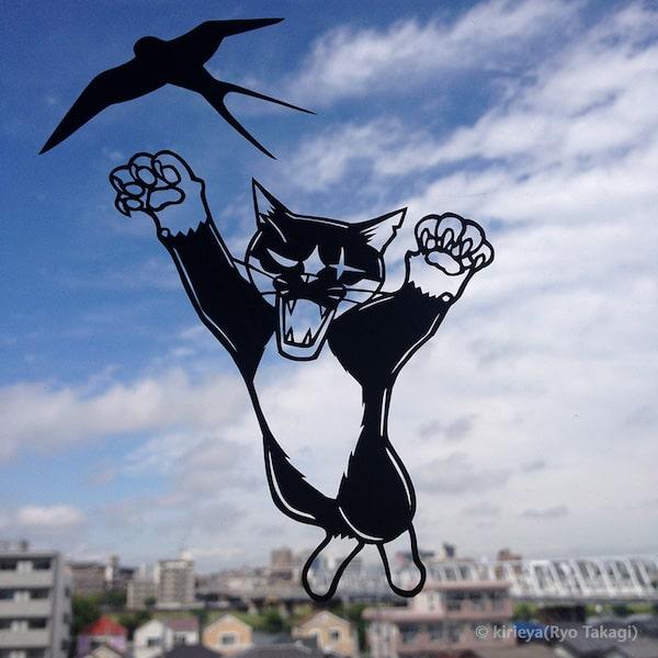 猫の切り絵作品「ボス・つばめがえし」 by 高木亮