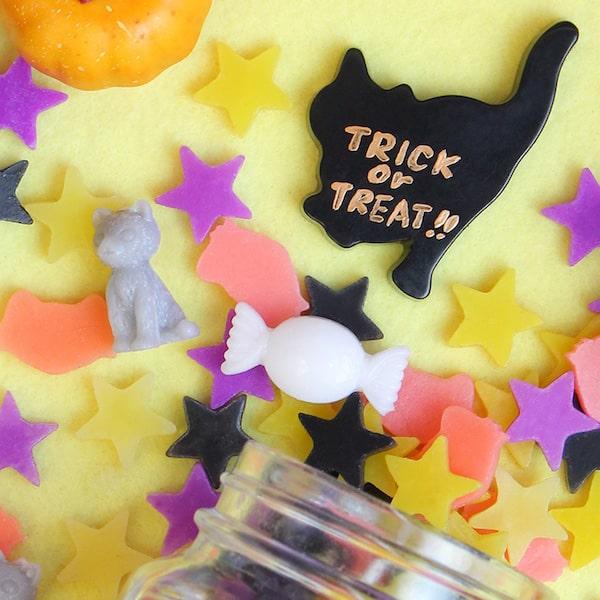 猫、星、キャンディーの形をしたコンペイトウキャンドル