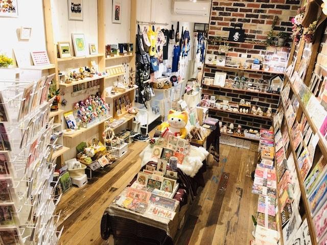 逗子の猫雑貨専門店「petit necol(プチネコル)」の店内イメージ