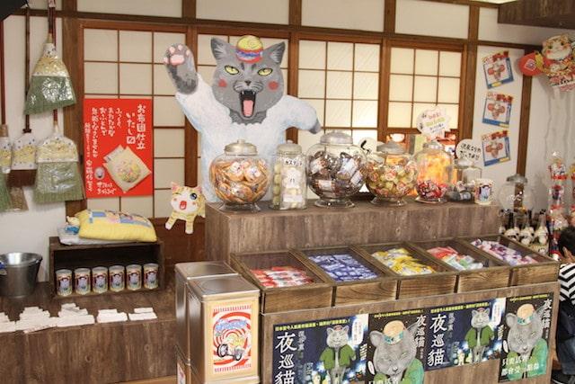 会場内にあるよろずや「非日用雑貨・遠藤商店」のコーナー