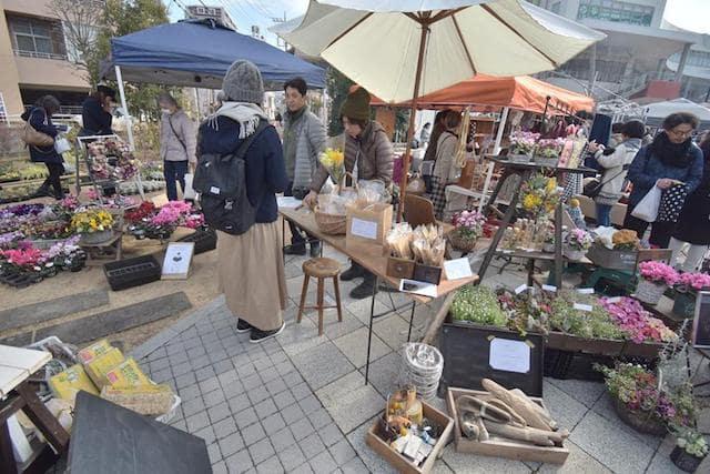 「くらしをいろどるFarmer's Market」のお花屋さん