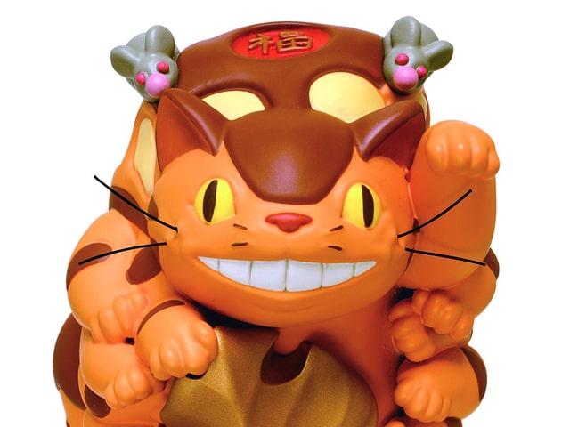 正月飾りにピッタリ!福を招きそうな「ネコバス」の置物が発売されるニャ
