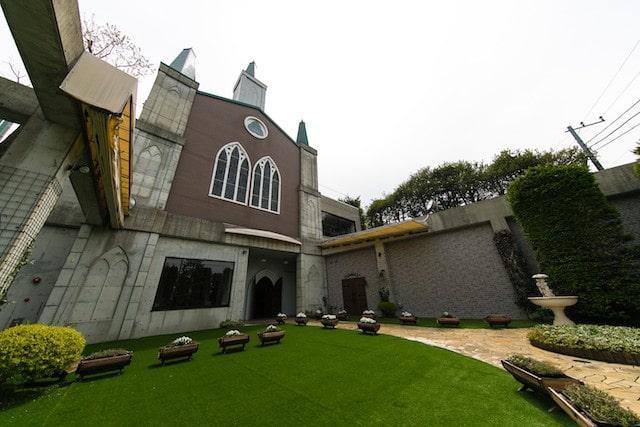 フランセス教会の中庭