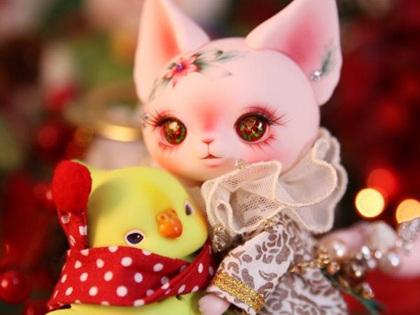 ドレスセットを着たクリスマス仕様の猫ドール「Art PICASSO bean DX ver.」