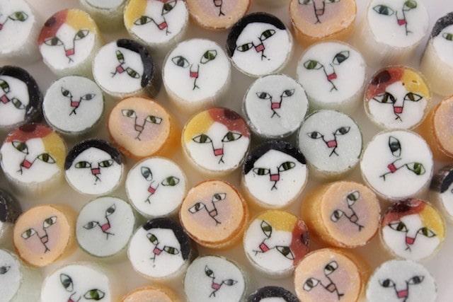 papabubble(パパブブレ)の猫MIXキャンディを敷き詰めたイメージ
