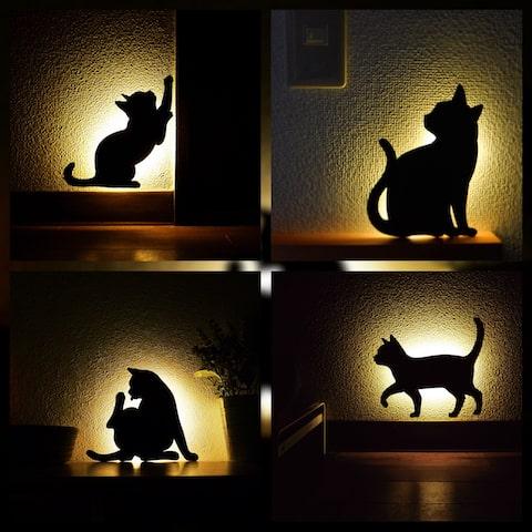 暗闇で光る「ネコ型ウォールライト」の設置&使用イメージ