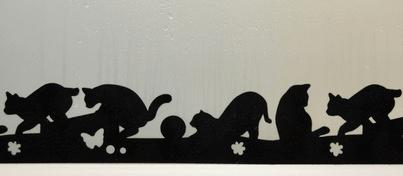 黒猫のシルエットがデザインされた結露吸水シートの製品イメージ