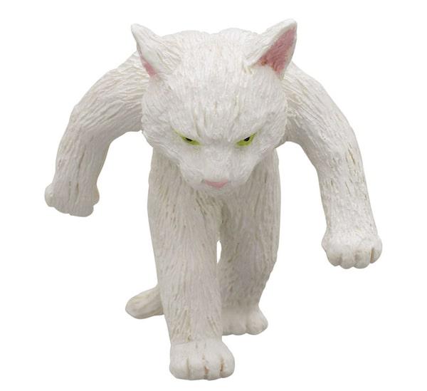 白猫のフィギュア by たくましい猫
