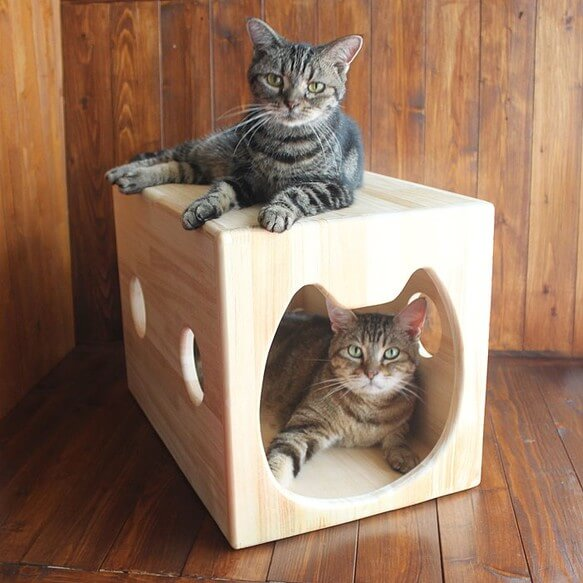 13.CATS.WORKS/木製猫ハウス