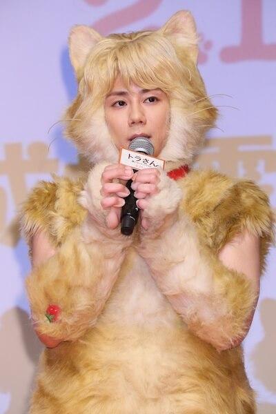映画「トラさん~僕が猫になったワケ~」で猫に扮した主演の北山宏光