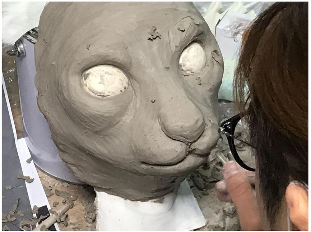 超リアルペットマスク『My Family(マイファミリー)の彫刻風景