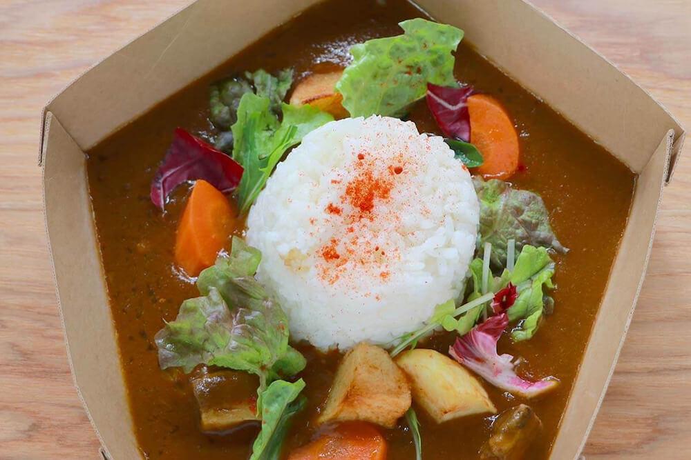 ツシマヤマネコ米を使ったカレーライス by 神戸どうぶつ王国の生物多様性普及啓発型レストラン「WILD CATS」