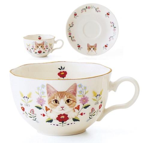 お花と猫のカップ&ソーサーの会、茶白猫のデザイン