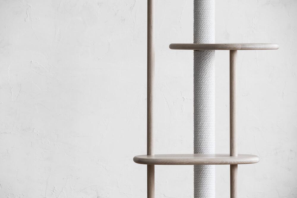 KARIMOKU CAT TREEの綿縄素材の爪とぎポール
