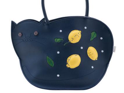紺色のボディに鮮やかなレモン♪ ルートートの可愛いネコ型バッグに新デザインが登場