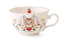 キュートな視線を感じながら華やかティータイム、お花と猫のカップ&ソーサー