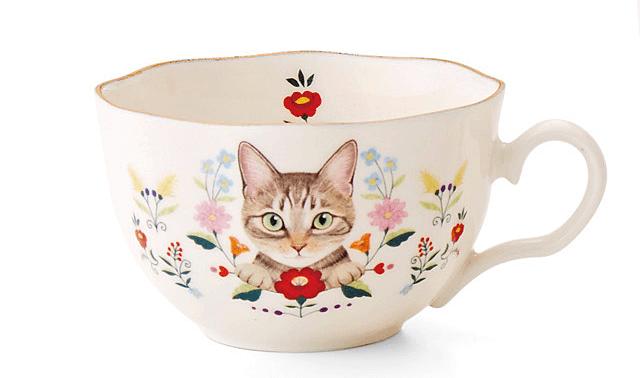 リアルな猫がデザインされたティーカップ by霜田有沙
