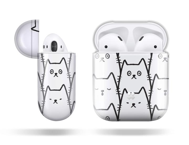 猫のイラストがデザインされたAirPods(エアポッズ)のケース(正面&側面イメージ)