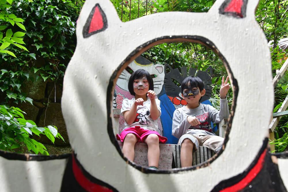 猫メイクをして「尾道イーハトーヴ猫祭り」に参加する子どもたち
