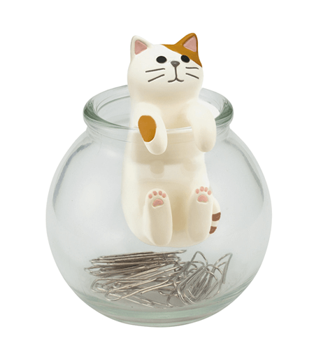 猫モチーフのクリップ入れ、デコレ(Decole)の「壺ねこクリップボトル」