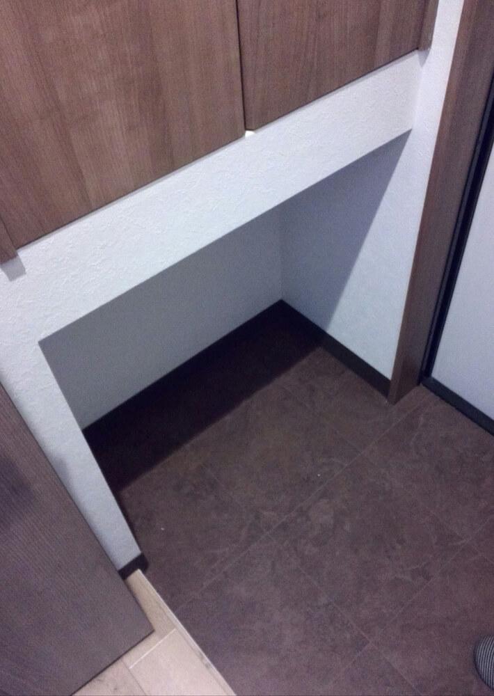 玄関の猫トイレ置き場
