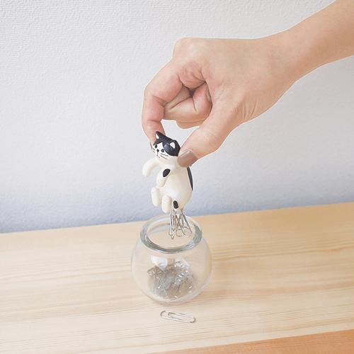 デコレ(Decole)の「壺ねこクリップボトル」使用イメージ