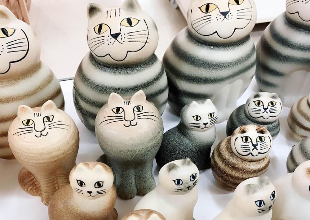 猫をモチーフにした陶器のオブジェ by リサ・ラーソン