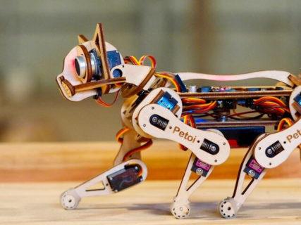 恐るべき身体能力なのニャ!動きをプログラミングできる猫型ロボット「Nybble」