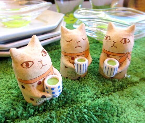 猫の小さな置物 bykuu日本茶猫