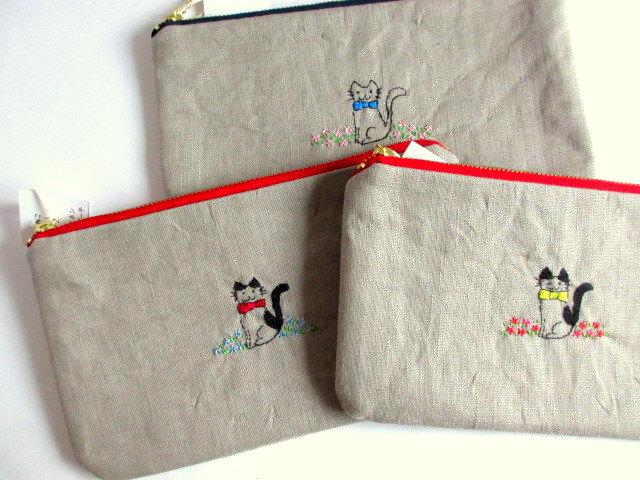 猫のリネン刺繍ポーチ