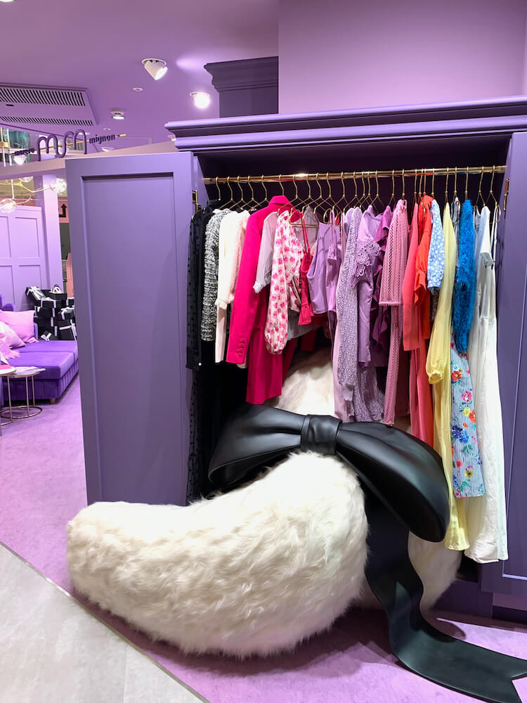 「moreru mignon」SHIBUYA109店にある猫の大きなしっぽ