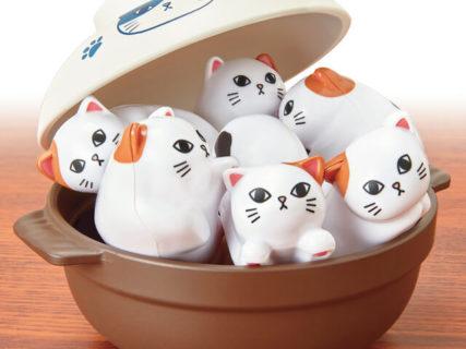 ネコがお金を隠す貯金箱「いたずらBANK」の最新作が登場、お鍋に並べて遊ぶ「にゃんこ鍋パズル」も