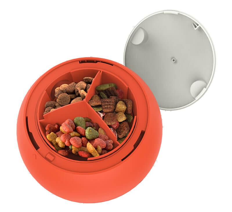 ペット用の球体型おもちゃ「easyPlay(イージープレイ)」の餌入れ容器
