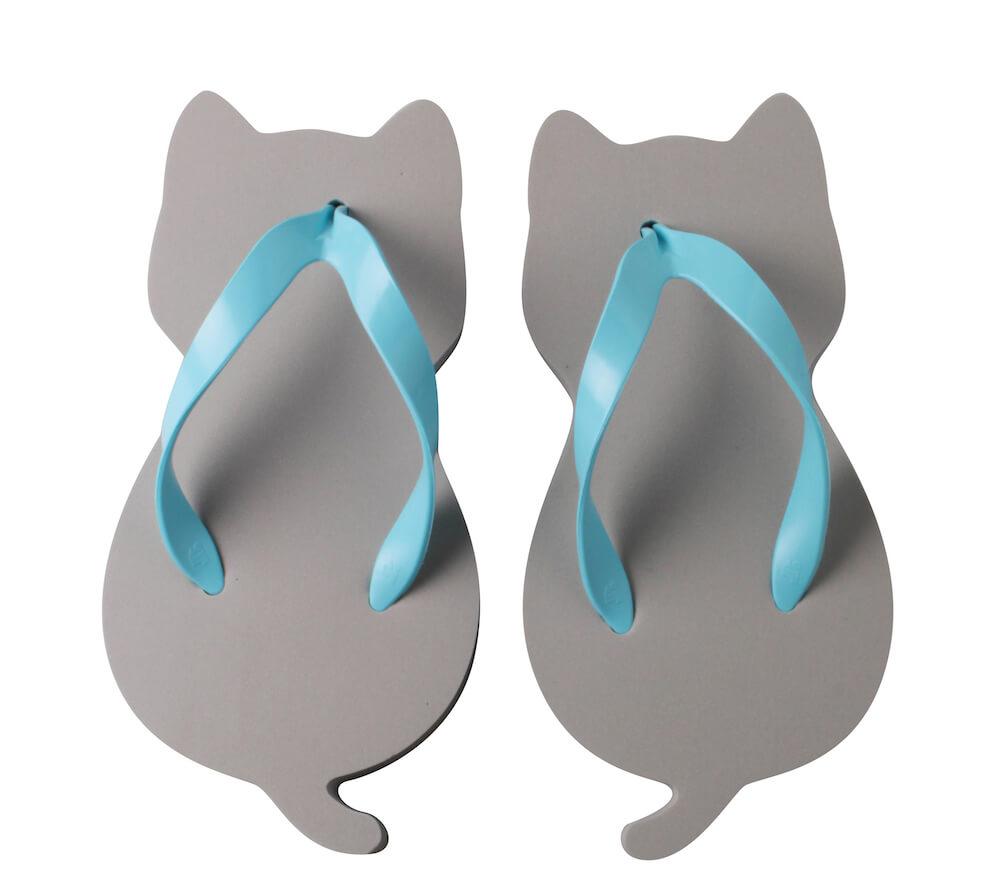 猫型のサンダル「にゃらげた ロシアンブルー」