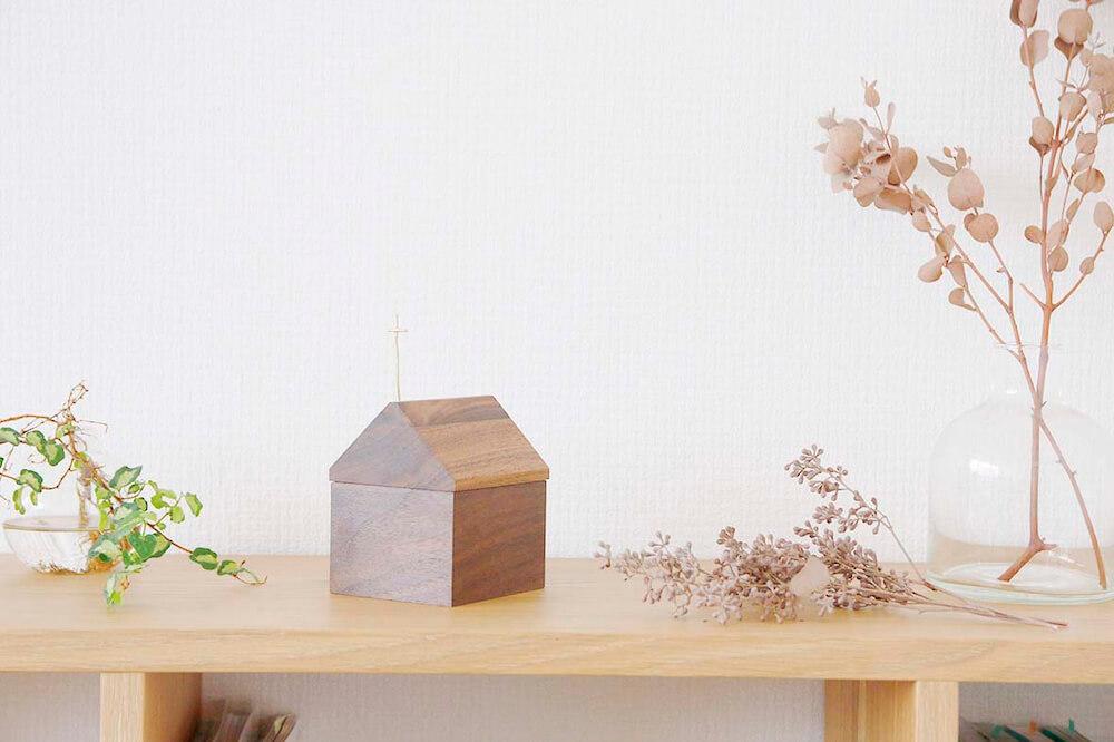 家タイプのタイプのペット用骨壺 by Recolle(レコレ)