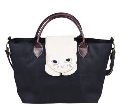 猫が乗ったバッグ「のび猫 ミニショルダー」ブラックカラー