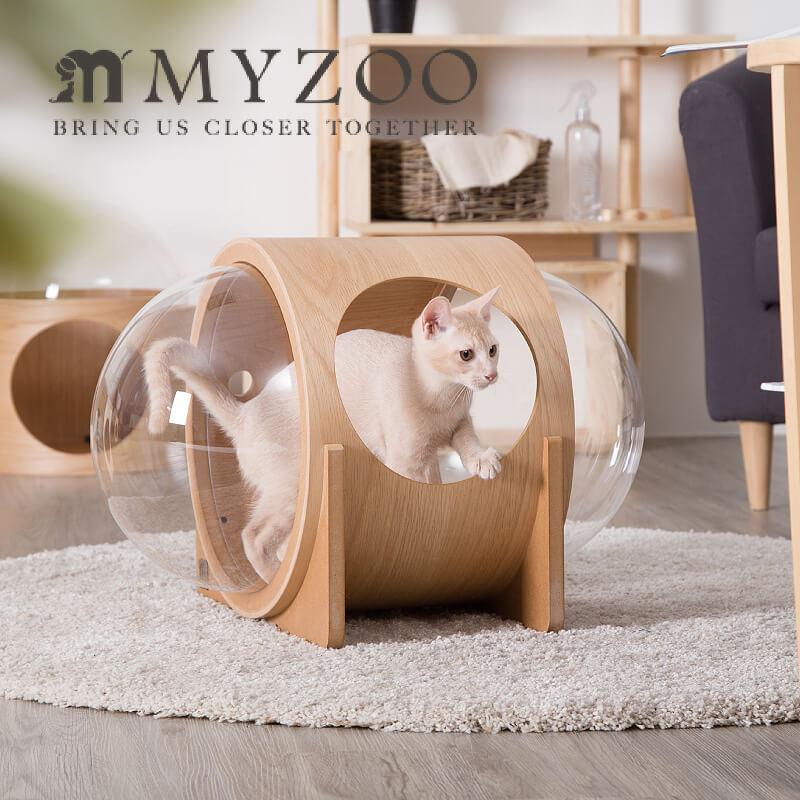 木材を使用して作られた宇宙船デザインの猫用ベッド by MYZOO(マイズー)