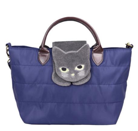 猫が乗ったバッグ「のび猫 ミニショルダー」ネイビーカラー