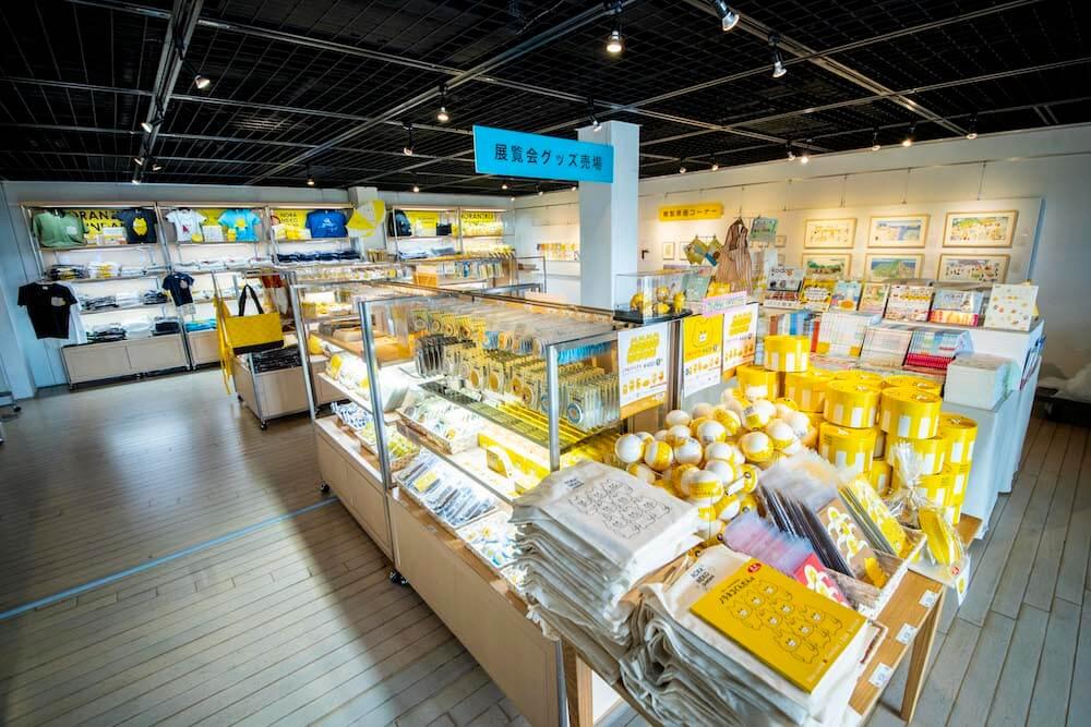 「ノラネコぐんだん展」横浜赤レンガ倉庫のグッズ売り場
