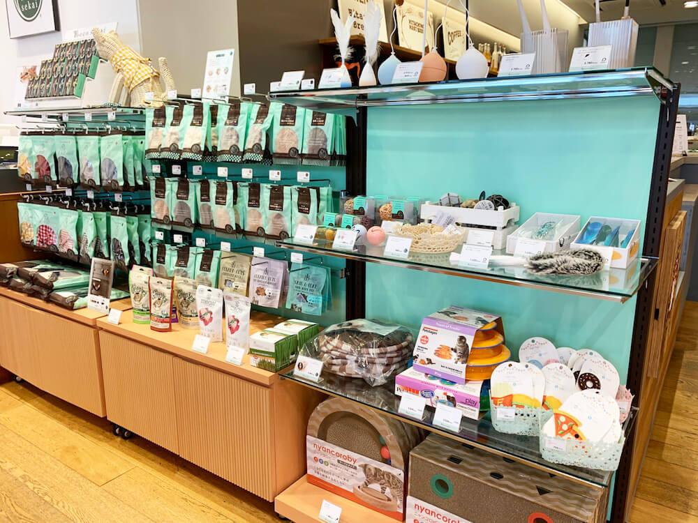 necosekai(ネコセカイ)エキュート品川の店内イメージ