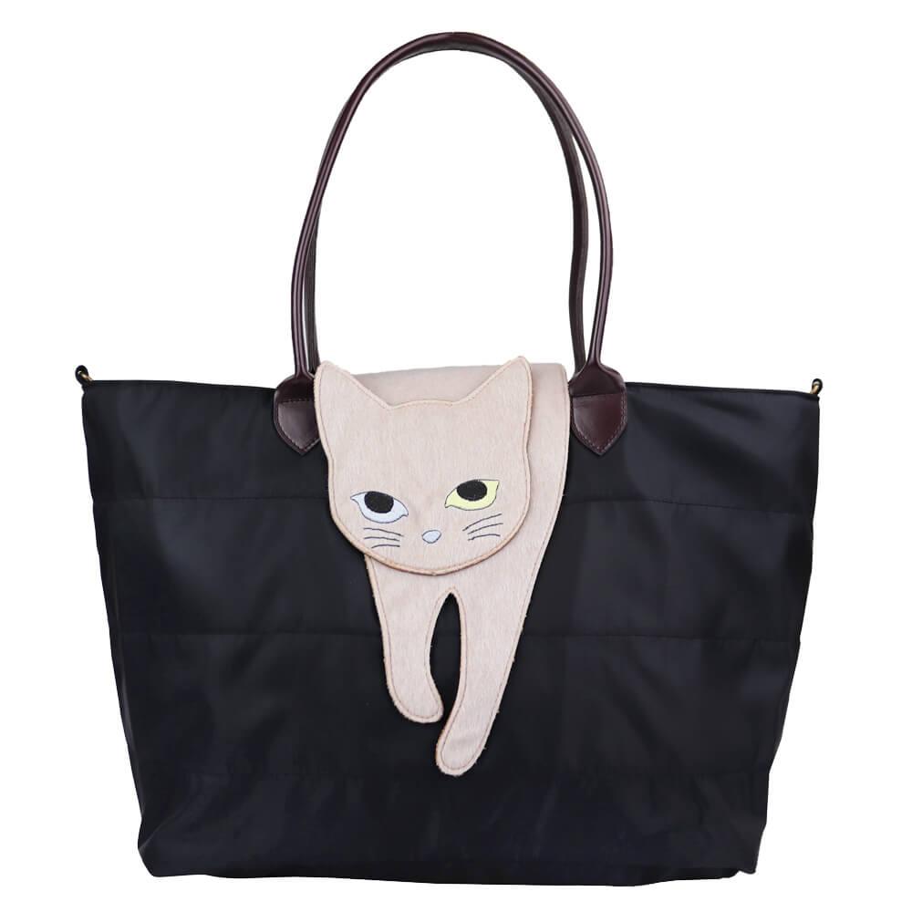 猫が上に乗ったバッグ「のび猫 2WAYトート」(ブラックカラー)製品イメージ
