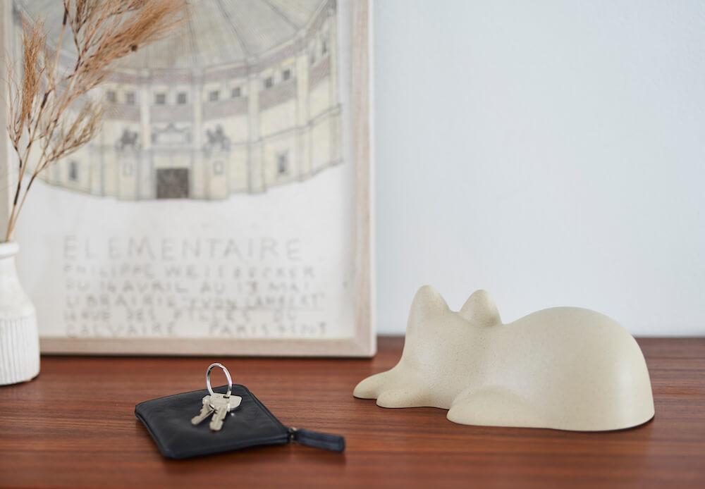 オブジェとして部屋にも飾れるネコカップ(ビオベージュ)