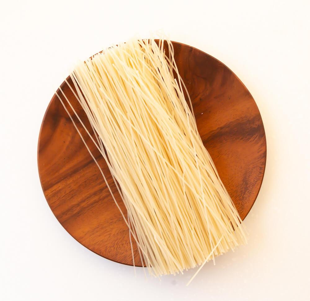 お米から作られた細長い形状の麺「ビーフン」